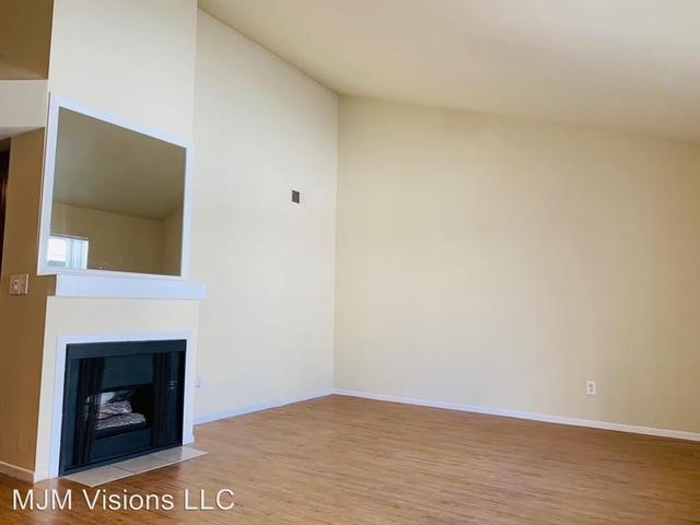 2 Bedrooms, Van Nuys Rental in Los Angeles, CA for $1,950 - Photo 2