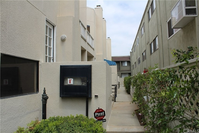 2 Bedrooms, Playhouse District Rental in Los Angeles, CA for $2,700 - Photo 2
