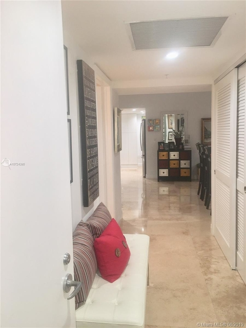 2 Bedrooms, Media and Entertainment District Rental in Miami, FL for $3,500 - Photo 2