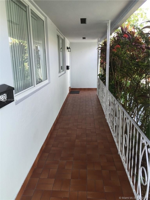 2 Bedrooms, Silver Bluff Rental in Miami, FL for $1,725 - Photo 2