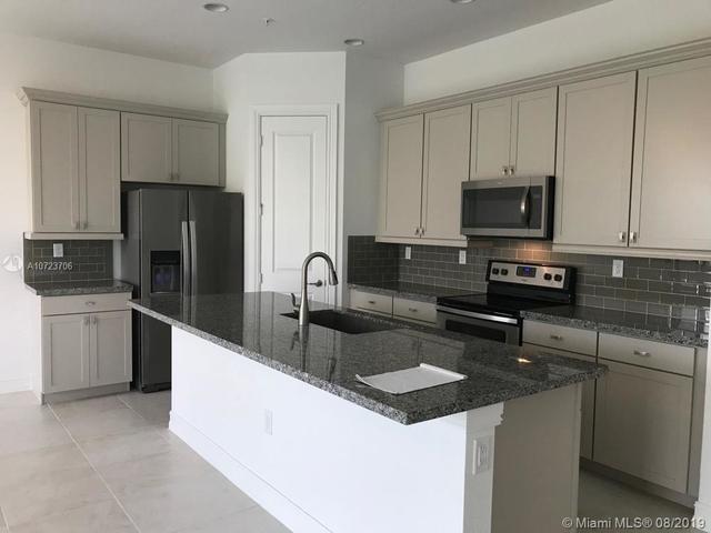 3 Bedrooms, Rexmere Village Rental in Miami, FL for $2,700 - Photo 2