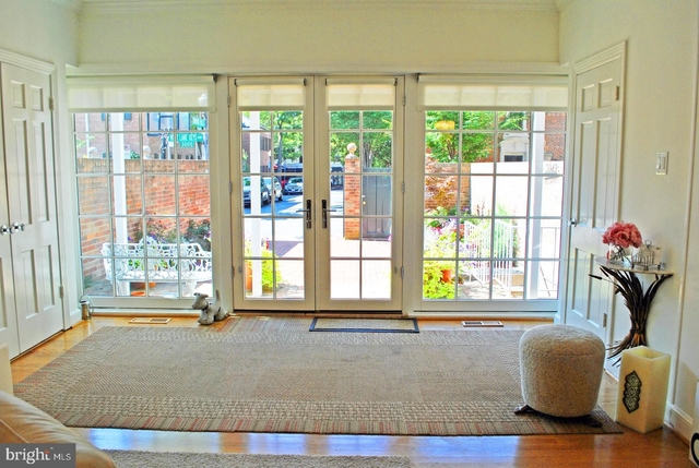 4 Bedrooms, East Village Rental in Washington, DC for $8,950 - Photo 2