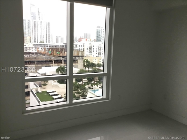 2 Bedrooms, Goldcourt Rental in Miami, FL for $3,050 - Photo 2