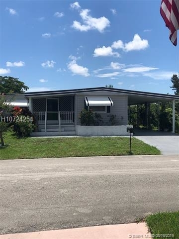 2 Bedrooms, Park City Rental in Miami, FL for $1,750 - Photo 2