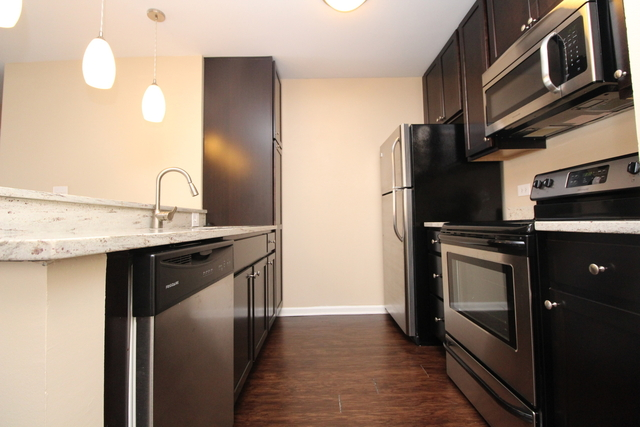 1 Bedroom, Ranch Triangle Rental in Chicago, IL for $1,879 - Photo 2