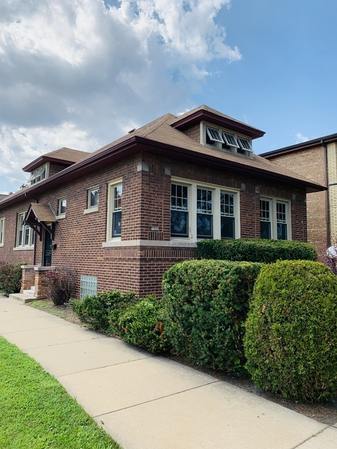 4 Bedrooms, South Chicago Rental in Chicago, IL for $1,700 - Photo 1
