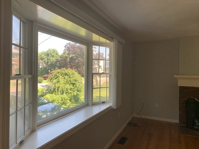 3 Bedrooms, Nonantum Rental in Boston, MA for $3,250 - Photo 2
