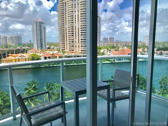 2 Bedrooms, Golden Shores Ocean Boulevard Estates Rental in Miami, FL for $2,400 - Photo 2
