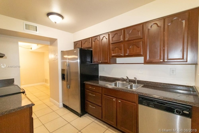 1 Bedroom, Forest Hills Rental in Miami, FL for $1,200 - Photo 2