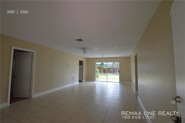 3 Bedrooms, Driftwood Rental in Miami, FL for $1,999 - Photo 2