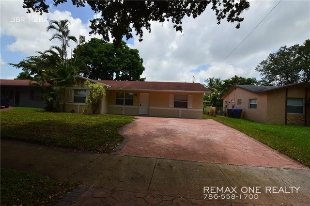 3 Bedrooms, Driftwood Rental in Miami, FL for $1,999 - Photo 1