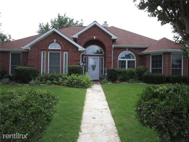 3 Bedrooms, Highland Meadows Rental in Dallas for $1,960 - Photo 1