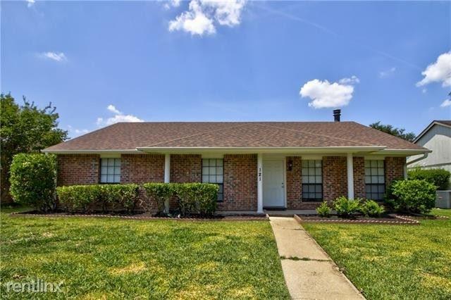 3 Bedrooms, Meadowood Rental in Dallas for $2,160 - Photo 1