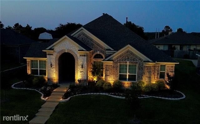 4 Bedrooms, Club Hill Rental in Dallas for $3,030 - Photo 1