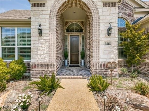 4 Bedrooms, Club Hill Rental in Dallas for $3,040 - Photo 1