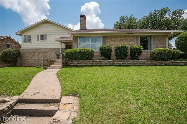 3 Bedrooms, Club Hill Estates Rental in Dallas for $2,360 - Photo 2