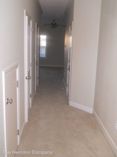 3 Bedrooms, USA Rental in  for $895 - Photo 2