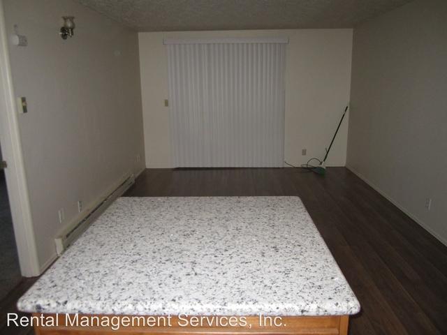 2 Bedrooms, Rockwood Rental in Portland, OR for $1,095 - Photo 2
