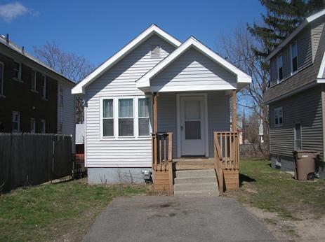 2 Bedrooms, Pontiac Rental in Detroit, MI for $675 - Photo 1