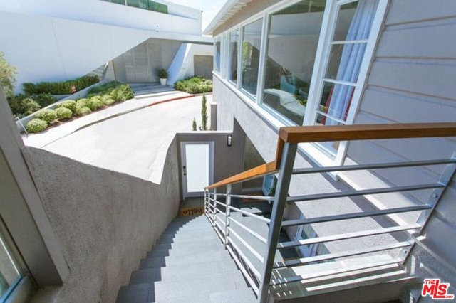 2 Bedrooms, Bel Air-Beverly Crest Rental in Los Angeles, CA for $9,000 - Photo 2