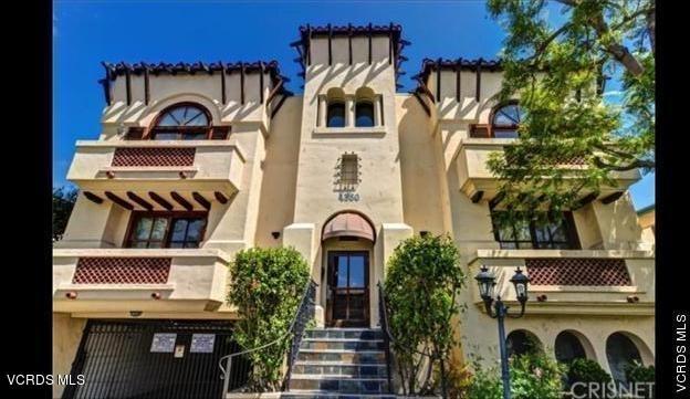 2 Bedrooms, Sherman Oaks Rental in Los Angeles, CA for $3,100 - Photo 1