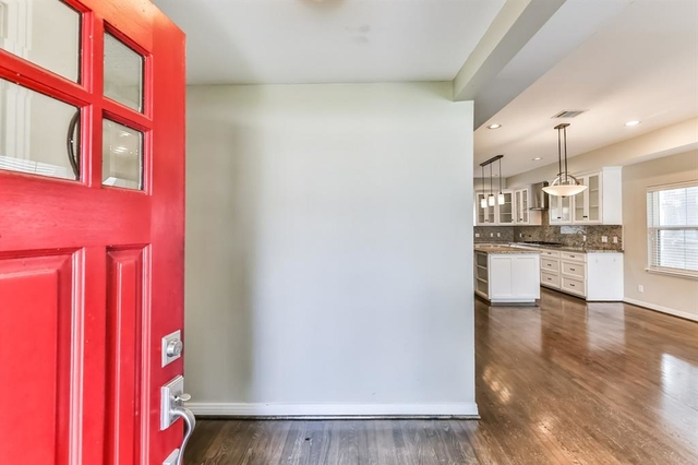 3 Bedrooms, Braeswood Rental in Houston for $2,800 - Photo 2