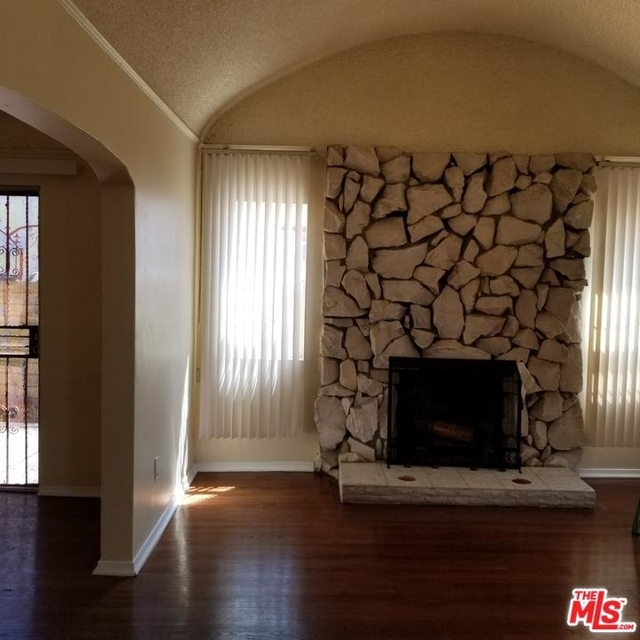 3 Bedrooms, Manchester Square Rental in Los Angeles, CA for $3,200 - Photo 2