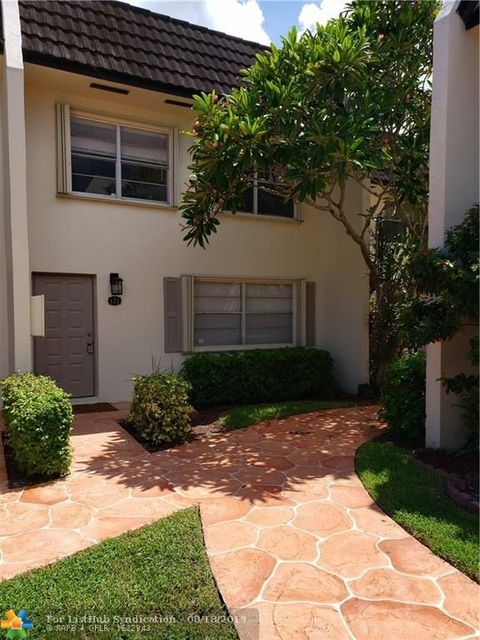 3 Bedrooms, Forest Hills Rental in Miami, FL for $2,000 - Photo 1