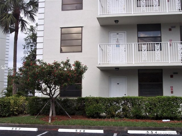 2 Bedrooms, Whitehall of Pine Island Rental in Miami, FL for $1,575 - Photo 2