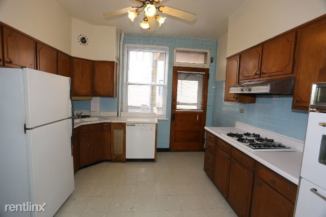 3 Bedrooms, North Center Rental in Chicago, IL for $1,725 - Photo 2