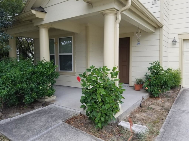 3 Bedrooms, Kenswick Forest Rental in Houston for $1,495 - Photo 2