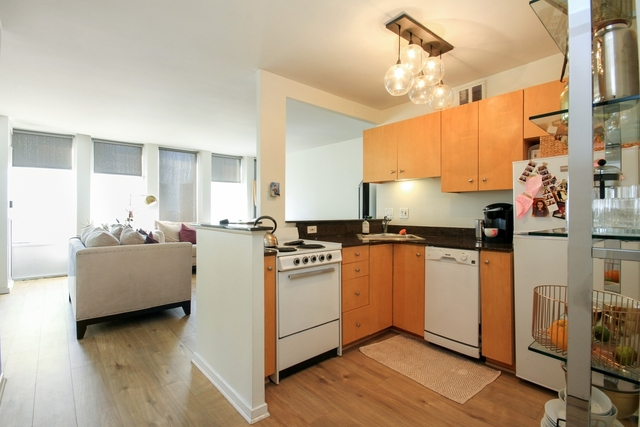1 Bedroom, Gold Coast Rental in Chicago, IL for $1,500 - Photo 2