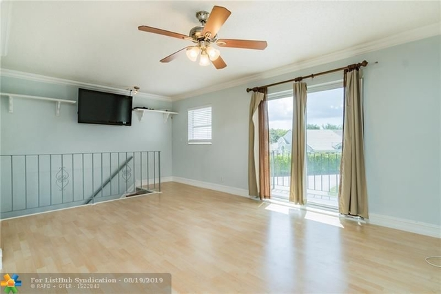 2 Bedrooms, Forest Hills Rental in Miami, FL for $1,450 - Photo 2