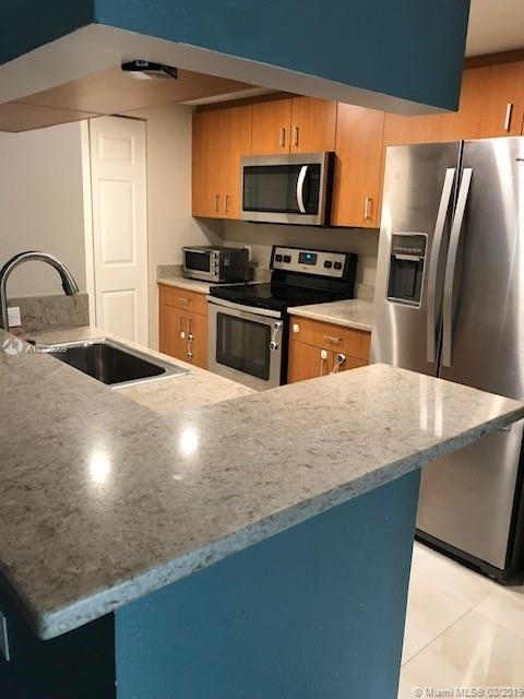 2 Bedrooms, Spring Garden Corr Rental in Miami, FL for $1,900 - Photo 2