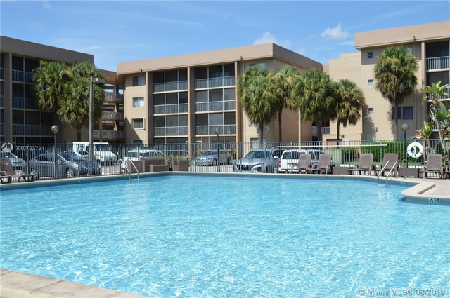 3 Bedrooms, Country Club Lane Rental in Miami, FL for $1,850 - Photo 1