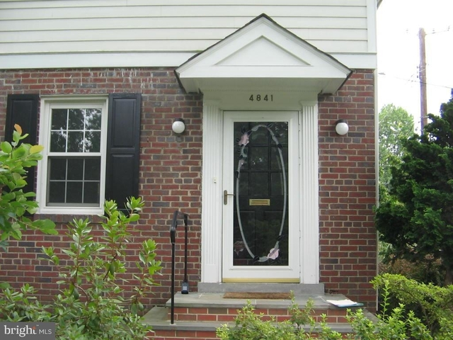 2 Bedrooms, Bethesda Rental in Washington, DC for $2,950 - Photo 2