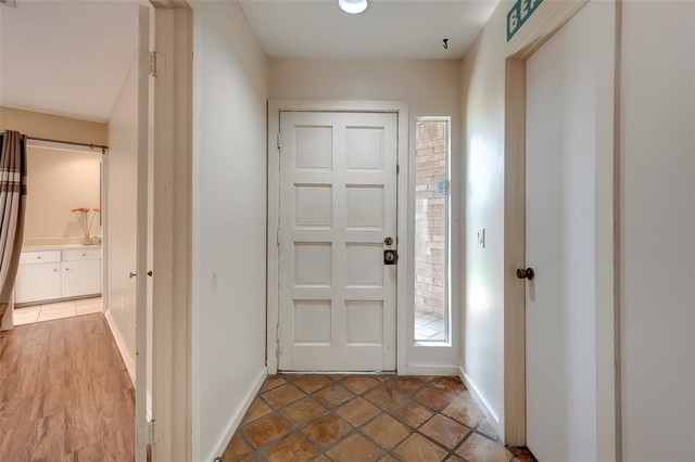 3 Bedrooms, Lakeside Estate Townhome Rental in Houston for $1,500 - Photo 2