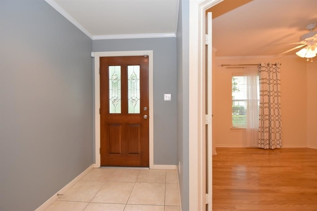 2 Bedrooms, Greater Heights Rental in Houston for $2,075 - Photo 2