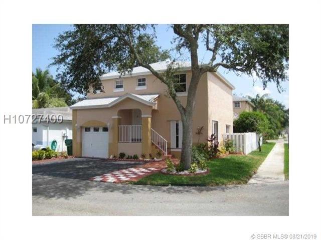 3 Bedrooms, Apple Creek Rental in Miami, FL for $2,050 - Photo 2