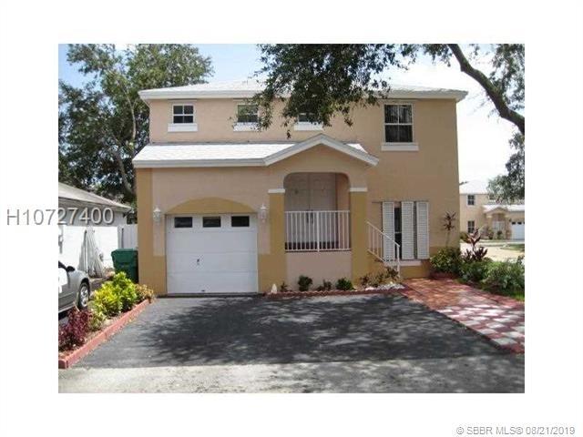 3 Bedrooms, Apple Creek Rental in Miami, FL for $2,050 - Photo 1