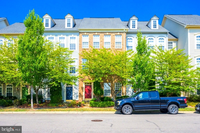 3 Bedrooms, New Bristow Village Rental in Washington, DC for $2,300 - Photo 2