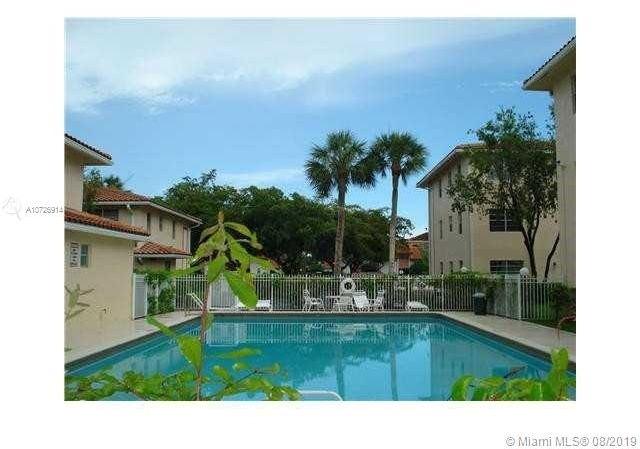 2 Bedrooms, City Center Rental in Miami, FL for $1,300 - Photo 2