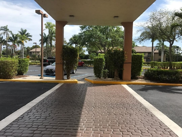 2 Bedrooms, The Fountains Country Club Rental in Miami, FL for $1,500 - Photo 2