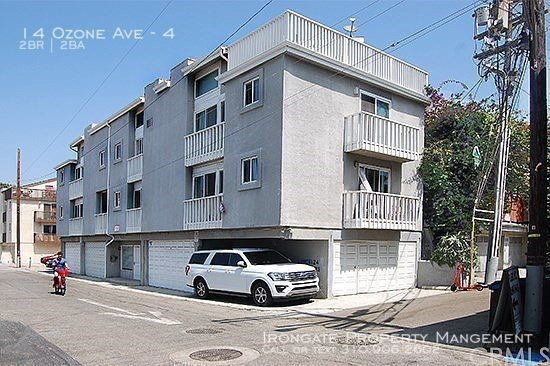 2 Bedrooms, Venice Beach Rental in Los Angeles, CA for $5,650 - Photo 1