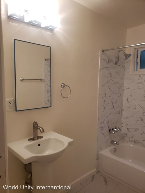 2 Bedrooms, Van Nuys Rental in Los Angeles, CA for $1,750 - Photo 2