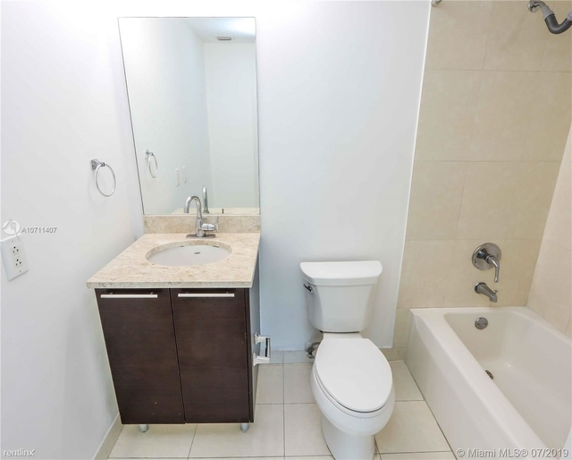 2 Bedrooms, Platinum Rental in Miami, FL for $2,150 - Photo 2