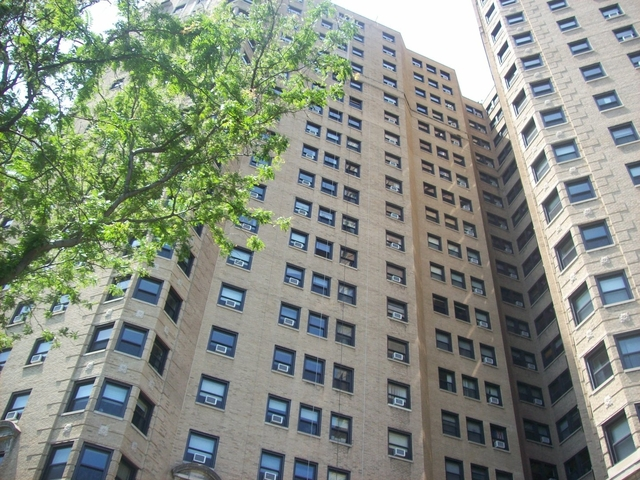 2 Bedrooms, Gold Coast Rental in Chicago, IL for $1,600 - Photo 1