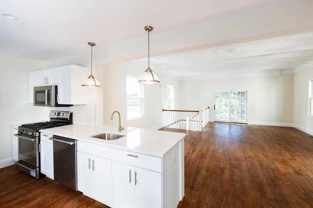 2 Bedrooms, Highland Park Rental in Boston, MA for $3,000 - Photo 2