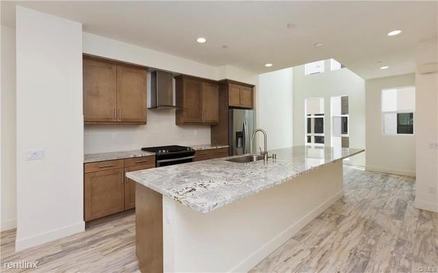 3 Bedrooms, Westside Costa Mesa Rental in Los Angeles, CA for $4,900 - Photo 2