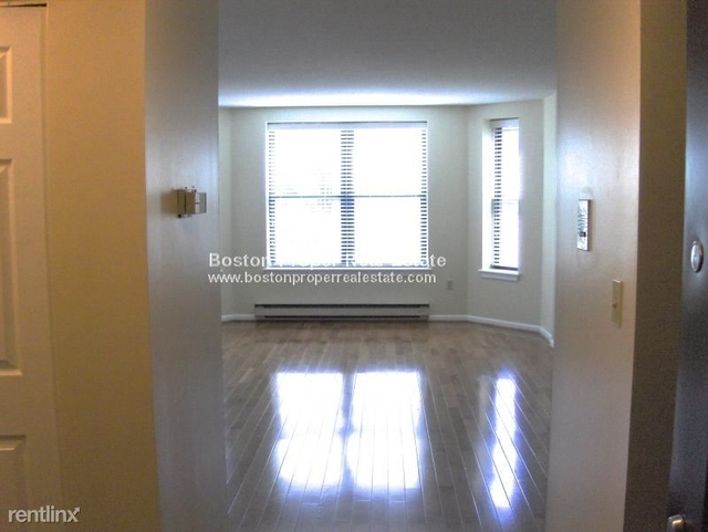 1 Bedroom, Prudential - St. Botolph Rental in Boston, MA for $3,726 - Photo 2
